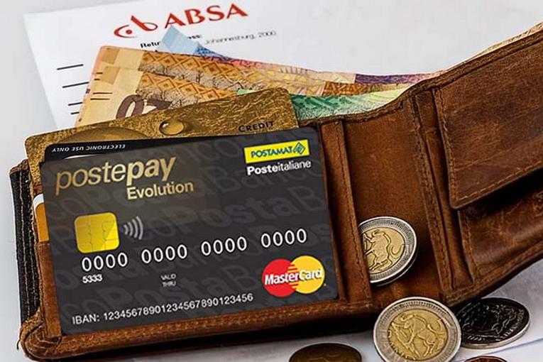 Postepay Evolution, come fare un bonifico usando la carta